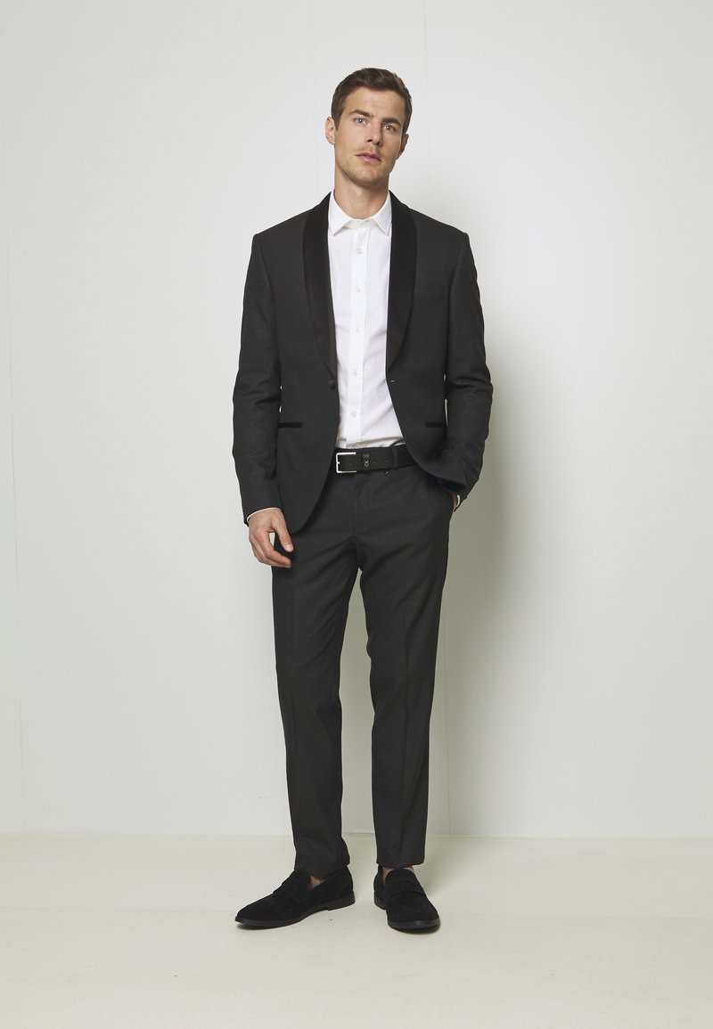 Isaac Dewhirst - RECYCLED TUX SLIM FIT - Completo - black