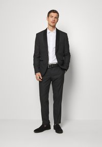 Isaac Dewhirst - RECYCLED TUX SLIM FIT - Completo - black - 0