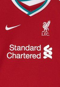 Nike Performance - LIVERPOOL FC SET - Sportovní kraťasy - gym red/white - 5