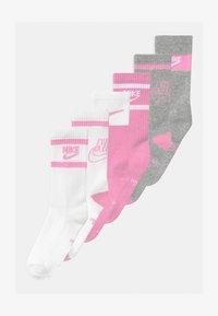 Nike Sportswear - EVERYDAY CUSH CREW  6 PACK UNISEX - Ponožky - light pink - 0