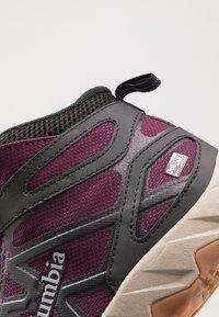 Columbia - PEAKFREAK X2 MID OUTDRY - Hiking shoes - black cherry/columbia grey - 2