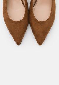 PARFOIS - Classic heels - brown - 5