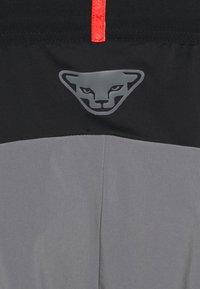 Dynafit - TRANSALPER HYBRID SHORTS - Sports shorts - quiet shade - 2
