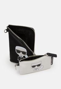 KARL LAGERFELD - IKONIK DOUBLE POUCH - Across body bag - black - 2