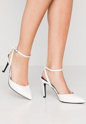 ONLPEACHES  - Zapatos altos - white