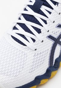 ASICS - GEL BLADE 7 - Volleyball shoes - white/peacoat - 5