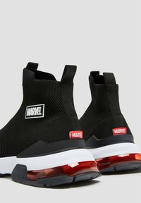 PULL&BEAR - Sneakers alte - black - 3
