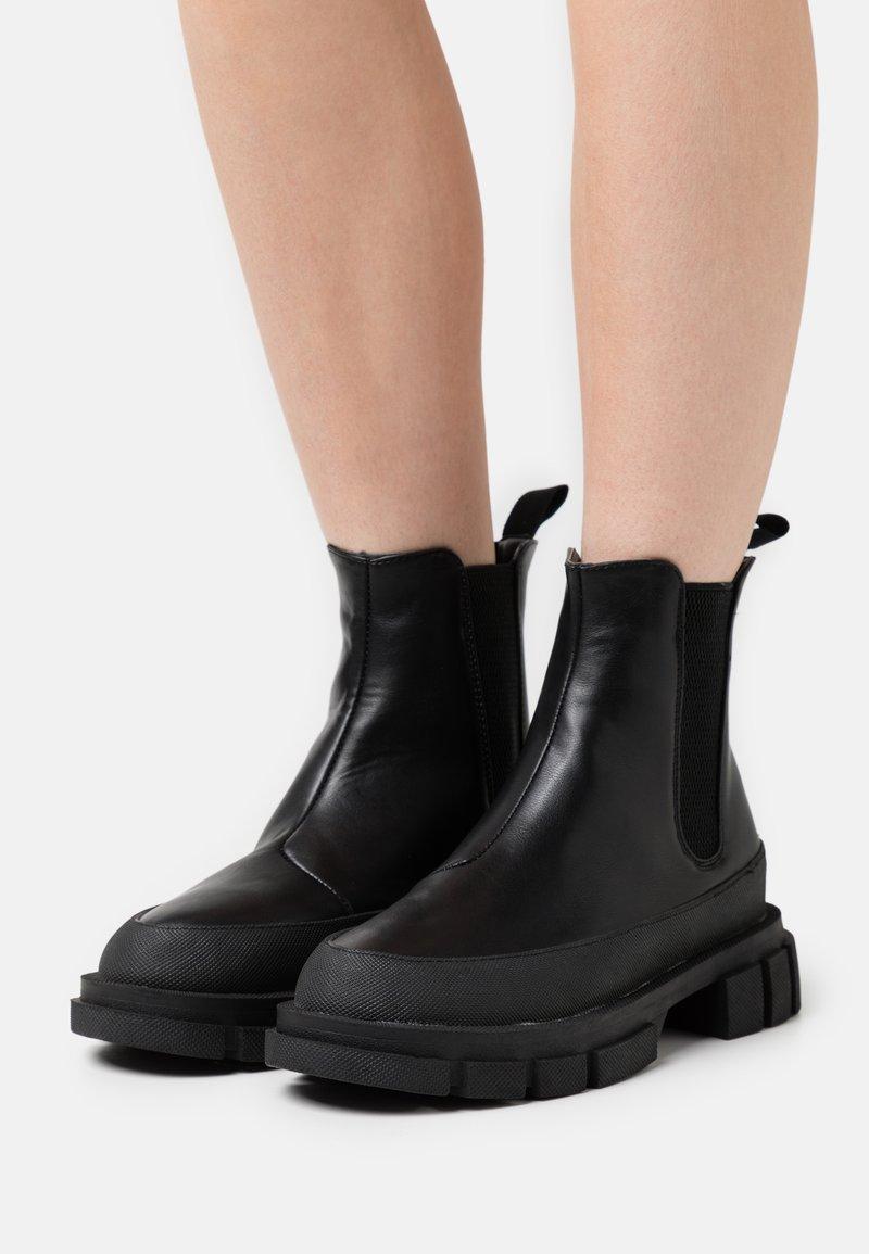 NA-KD - BOOTS - Platform ankle boots - black