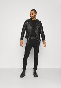 Tommy Jeans - AUSTIN SLIM  - Slim fit jeans - new black - 1