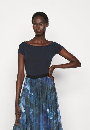 PRESIDE - Jednoduché triko - navy blue
