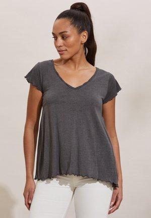 CAROLE - Print T-shirt - asphalt