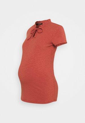 TEE FANCY MARSALA - Basic T-shirt - marsala