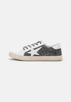 CITY - Trainers - glitter grey