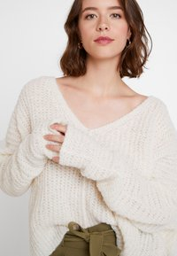 Free People - MOONBEAM - Svetr - ivory - 5