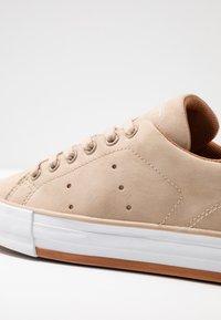 Esprit - SIMONA - Sneakers - bark - 2
