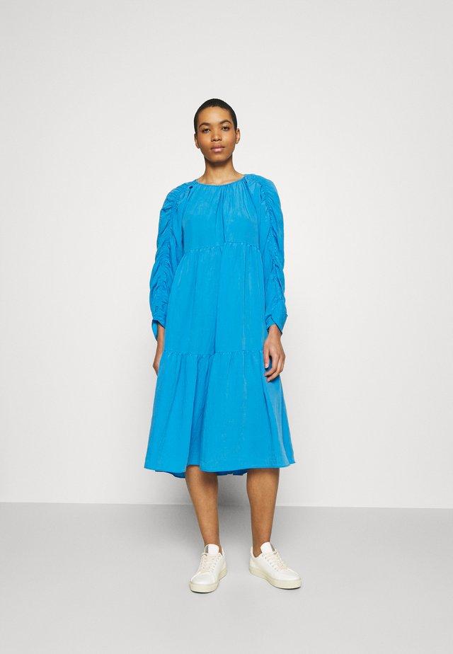 DRESS - Hverdagskjoler - bright blue