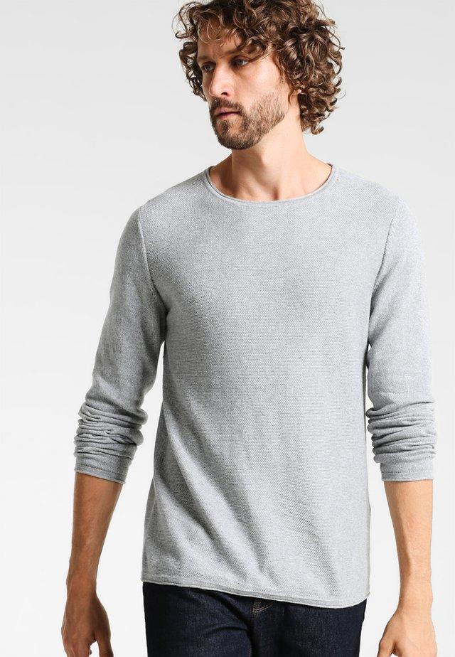 CREW NECK ROUNDED HEM - Strickpullover - light grey melange