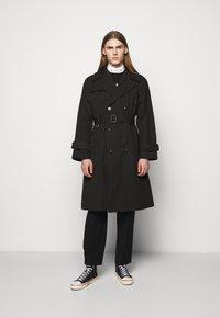 Vivienne Westwood - BEN - Trenchcoat - black - 0