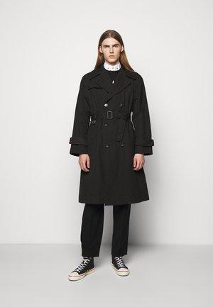BEN - Trenchcoat - black