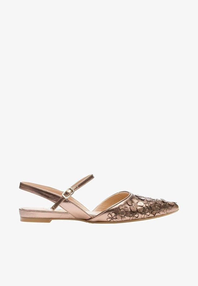 Ankle strap ballet pumps - sand