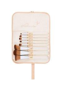 Luvia Cosmetics - BAMBOO'S LEAF - Makeup brush set - - - 1