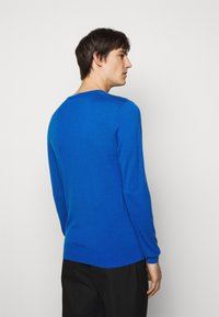 Tiger of Sweden - NICHOLS - Stickad tröja - blau - 2