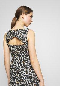 STUDIO ID - JULE DRESS - Denní šaty - beige - 4