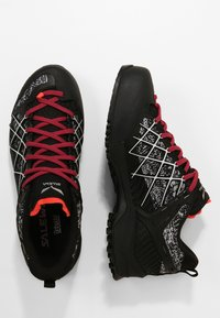 Salewa - WILDFIRE GTX - Hiking shoes - black/white - 1