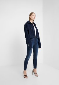 Mother - LOOKER FRAY - Jeans Skinny Fit - tongue and chic - 1