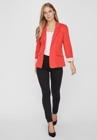Vero Moda - VMHARUKI - Blazer - poppy red - 1