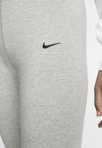 Nike Sportswear - W NSW LEGASEE LGGNG KNEE LNGTH - Leggings - Trousers - dark grey heather - 3