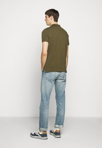 Polo Ralph Lauren - CUSTOM SLIM FIT MESH POLO - Polo shirt - defender green - 2