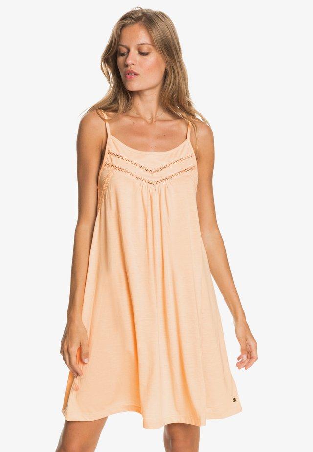 RARE FEELING - Sukienka z dżerseju - apricot ice