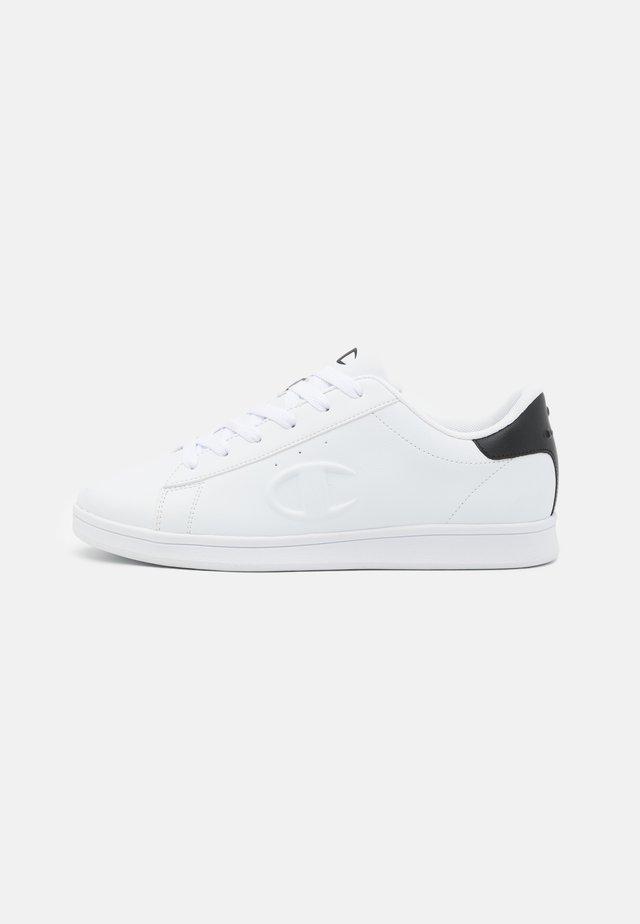 LOW CUT SHOE ANDREA - Chaussures d'entraînement et de fitness - white/new black