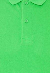 Calvin Klein Jeans - LOGO - Pikeepaita - acid green - 2