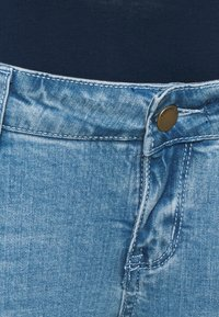 Forever Fit - ANKLE GRAZER - Jeans Skinny - light wash - 2