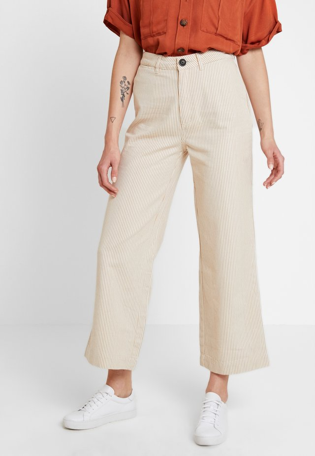 OLD MATE PANT - Pantaloni - gold