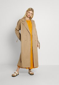 Missguided - TIE SLEEVE DOUBLE BREASTED  - Trenchcoat - camel - 1