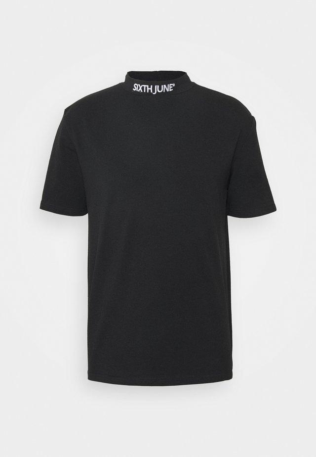 HIGH NECK TEE - Print T-shirt - black