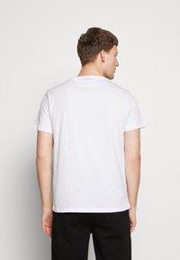 KARL LAGERFELD - CREWNECK - Print T-shirt - white - 2