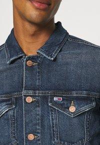 Tommy Jeans - REGULAR TRUCKER JACKET - Denim jacket - denim dark - 5