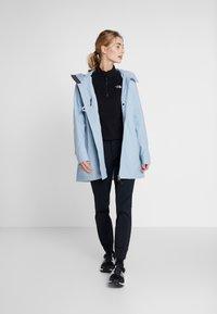 Didriksons - MIRANDA WOMEN'S PARKA - Vodotěsná bunda - cloud blue - 1