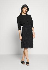 N°21 - Pouzdrová sukně - black - 1