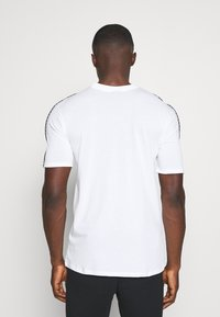 Nike Sportswear - REPEAT - T-shirt - bas - white - 2