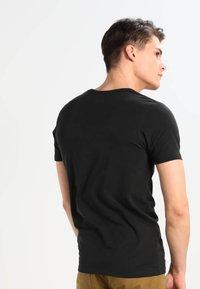 Jack & Jones - BASIC V-NECK  - Basic T-shirt - black - 2