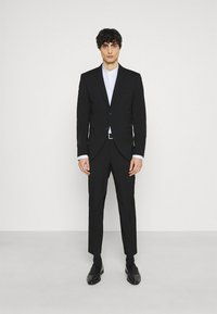 Selected Homme - SLHSLIM MYLOLOGAN CROP SUIT - Kostym - black - 0