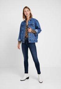 Le Temps Des Cerises - PULPHISL - Slim fit jeans - blue - 1