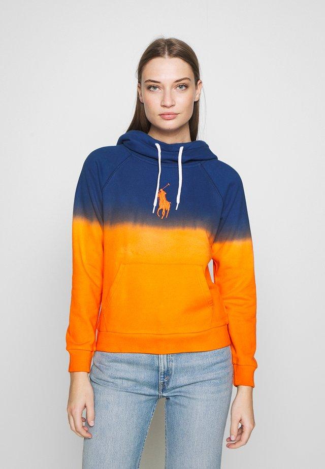 OMBRE - Hoodie - navy/ orange