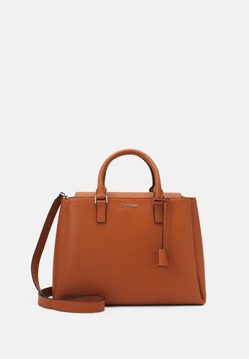 TOTE - Handbag - cognac