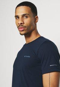 Columbia - MAXTRAIL LOGO TEE - Print T-shirt - collegiate navy - 3